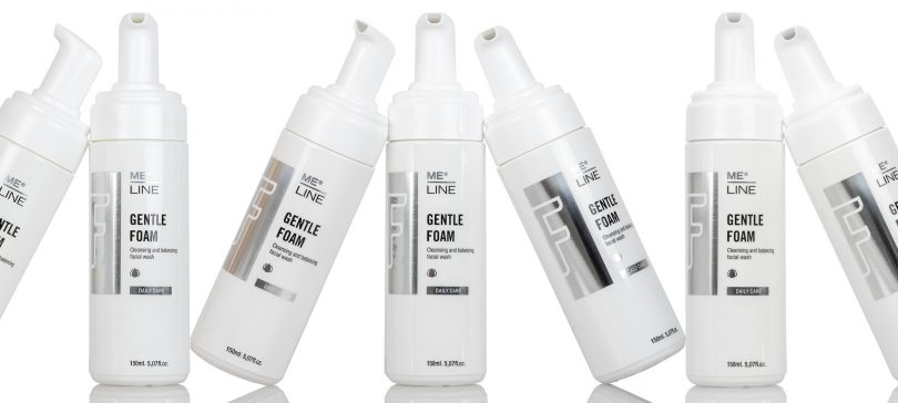 FACIAL CLEANSER ADAPTED TO DERMATOLOGICAL DISORDERS