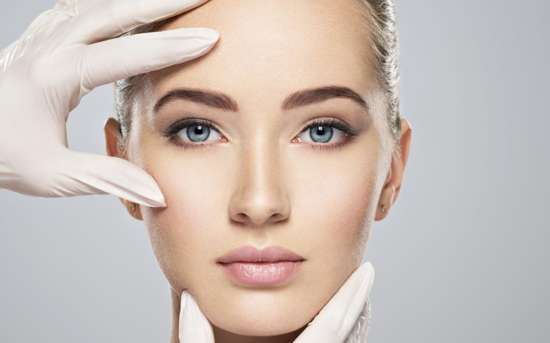 WHY HYALURONIC ACID IS ESSENTIAL FOR YOUR SKIN