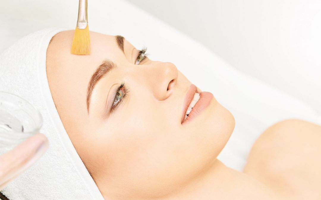 BENEFITS OF A CHEMICAL PEEL IN SPRING